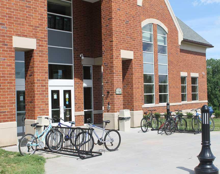 Bikes+outside+Evans+Commons