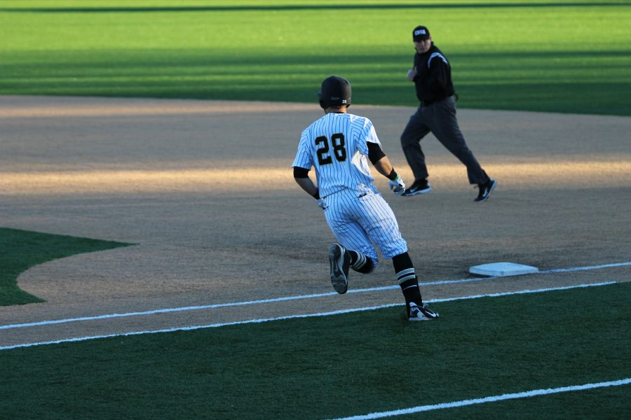Baseball's inconsistency continues; record falls to 14-21