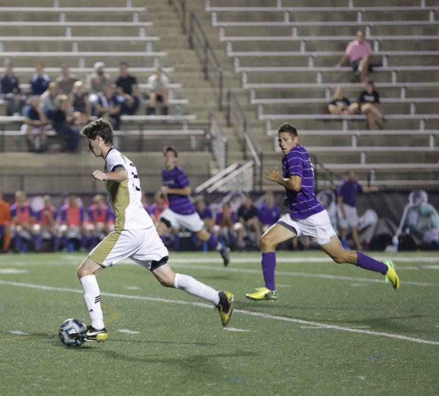 Mens+soccer+wins+3-2+over+Truman+State+for+second+straight+home+win