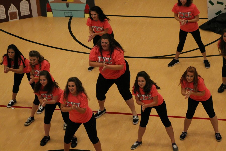 Lip-Sync rocks the gym on Homecoming