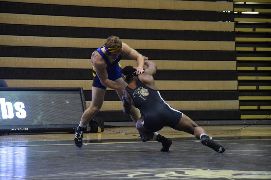 Men%27s+wrestling+claims+MIAA+title