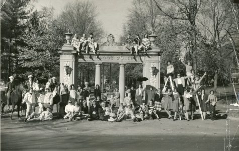 Photo from Lindenwood's archives Students take a group photo on the Alumnae Gate in the 1960s.
