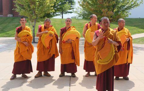 Monks put focus on refugees' plight