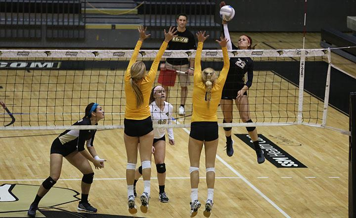 Women%27s+volleyball+holds+off+Quincy