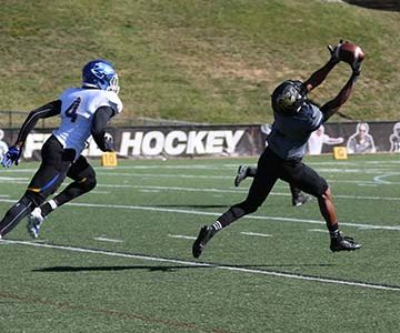 Lions use deep passing game to defeat the Lopers