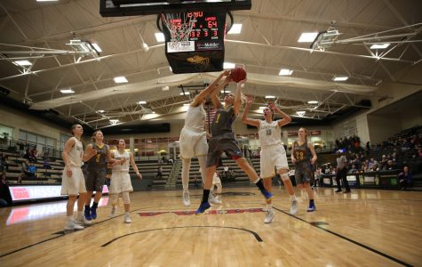 Women's basketball falls to Nebraska-Kearney as late rally falls short