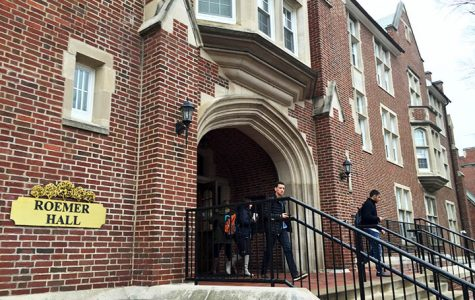 Photo by Kelby Lorenz Students going in and out of Roemer Hall, the new home to the Work and Learn office.