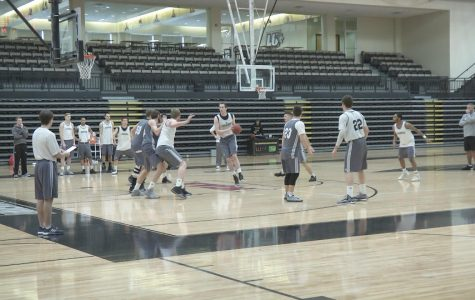 Men's Basketball Prepares for MIAA Tournament