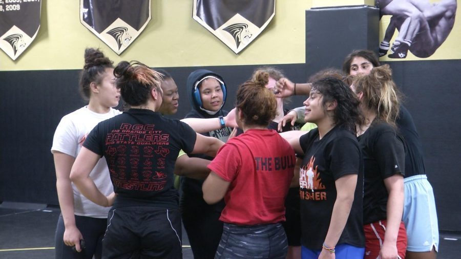 Womens+Wrestling+Athletes+Headed+to+Olympic+Trials