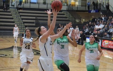 Women's basketball advances to MIAA semifinals
