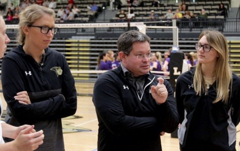 Lindenwood women's volleyball head coach Will Condon speaks to his team.  <br> Photo by Don Adams Jr.