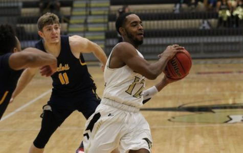 Men's basketball explodes for 59 points in second half, but falls to Missouri Southern