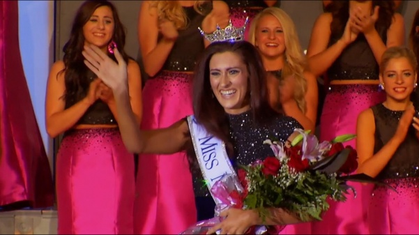 This+is+a+historic+moment+captured%3A+the+first+openly+gay+pageant+contestant+being+crowned+with+a+title.+Erin+OFlaherty+won+Miss+Missouri+in+the+Miss+America+2017+pageant.+Lexy+Kadey+based+her+documentary+off+of+this+moment.++Photo+used+with+permission+from+Lexy+Kadey.