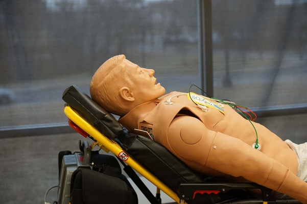 Lindenwood's paramedicine students are using high tech mannequins to practice medical procedures.  Photo by Mitchell Kraus