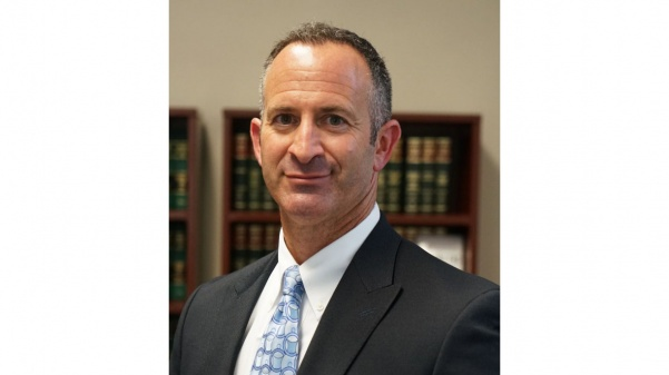 Grant+Shostak%2C+former+General+Counsel+of+Lindenwood+University%2C+has+stepped+down+from+his+position+and+is+now+an+associate+professor+of+Criminal+Justice+in+the+School+of+Accelerated+Degree+Programs.+%3Cbr%3E+Photo+from+Lindenwood+University-Belleville