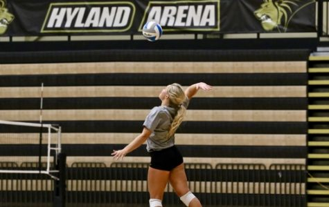 Women's volleyball finds first MIAA wins in two-game streak