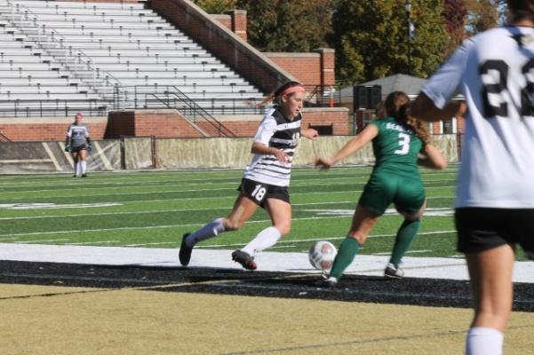 Lindenwood sophomore Alaina White (18) during the matchup against the Bearcats on Sunday.   Photo by Maria Escalona.