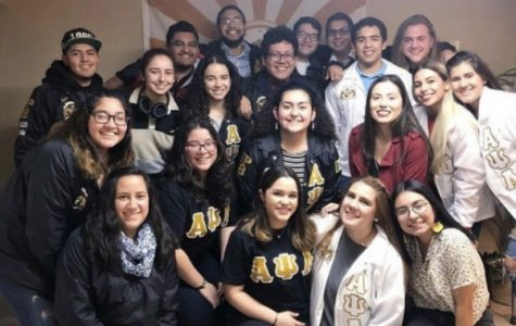 Alpha Psi Lambda from Lindenwood Univerisity, Washington University in St. Louis, and Southern Illinois University Edwardsville during Friendsgiving dinner on November 16, 2018.  Photo in courtesy of Alpha Psi Lambda Lindenwood