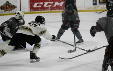 Men's hockey finishes first half 16-0 after sweep at Ohio