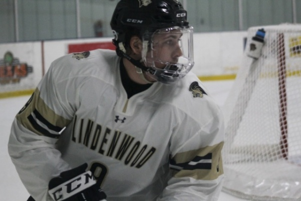 Forward Tommy Heinzman during a game against the Illini in October.   Photo by Kayla Bakker.