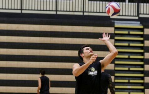 Men's volleyball follows up first victory with 2 losses
