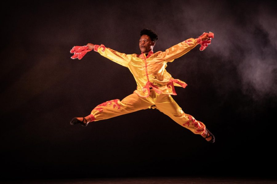 Michael+Warner+performs+in+a+traditional+Chinese+dance+titled+%22YangGe%2C%22+choreographed+as+part+of+a+Chinese+special+topics+class+this+semester.+