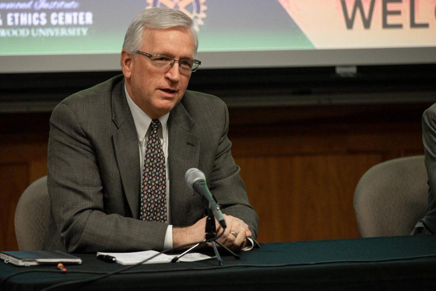 President John Porter speaks at the business ethics panel on Nov. 21.