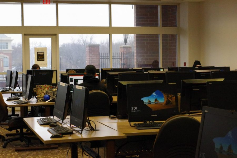 Students work in the Spellmann Center computer lab in 2018.   File photo by Kat Owens.