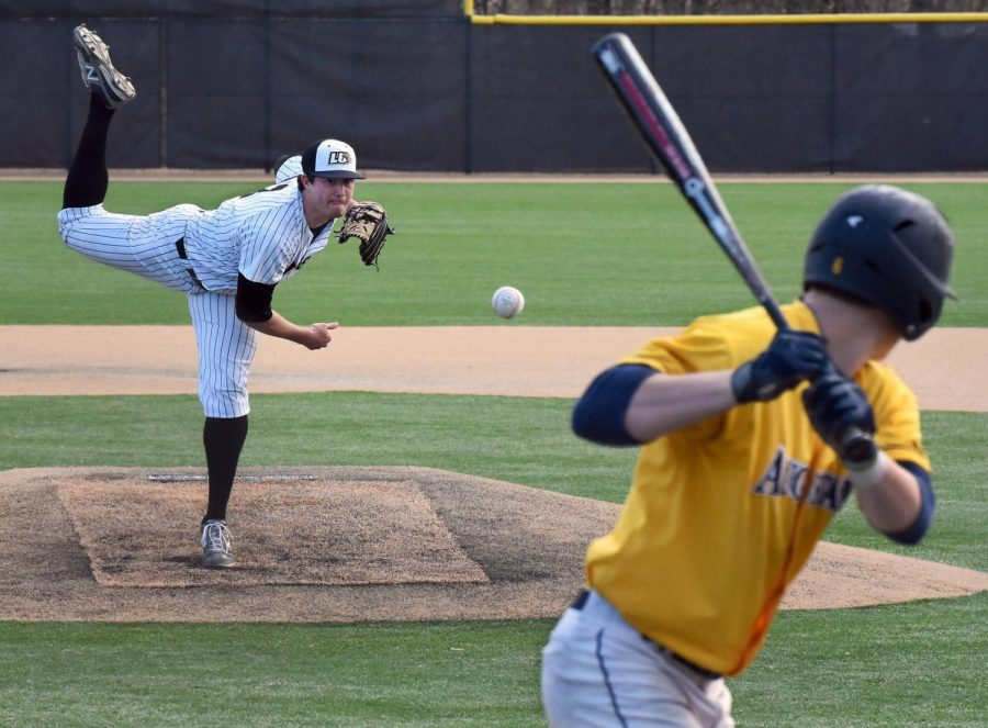 Lindenwood+pitcher+Geoff+Hartlieb+pitches+against+an+Augustana+College+batter+in+2016.+Photo+Submitted+by+Neil+Ralston